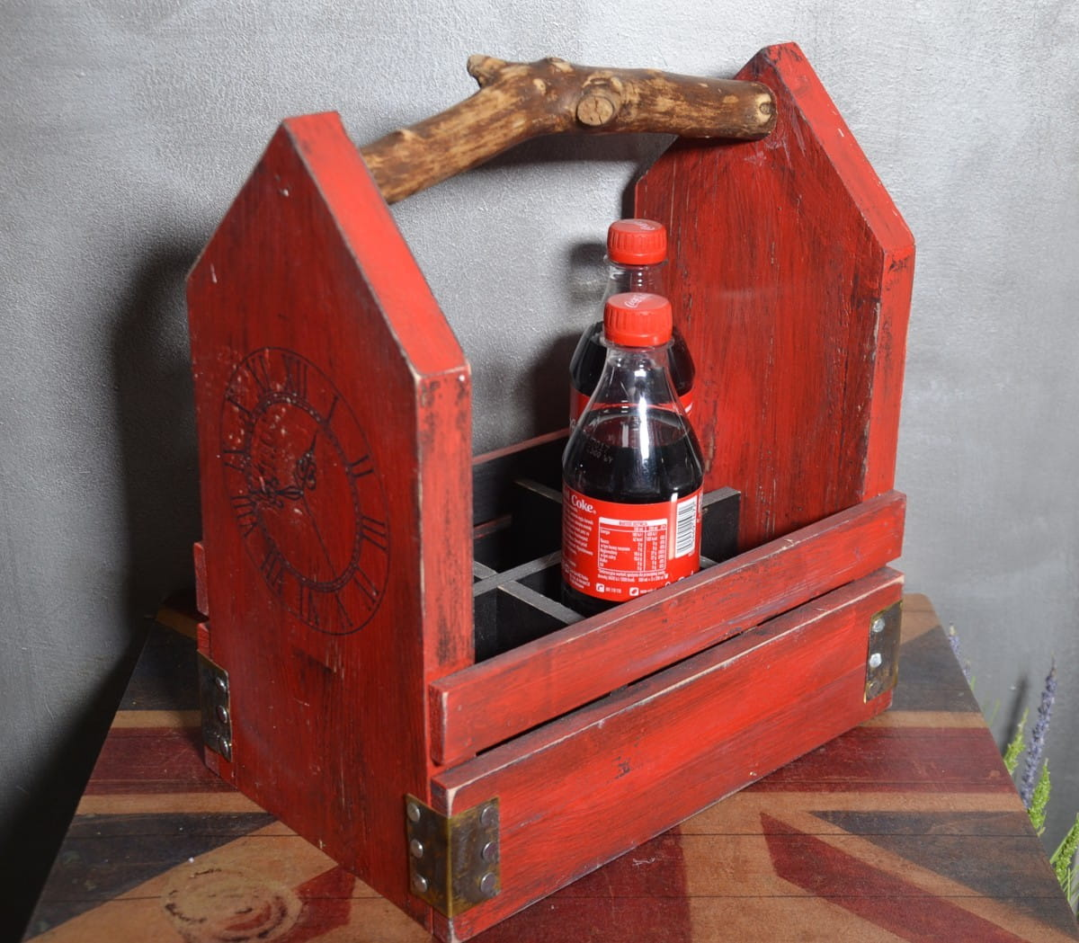 Vintage skrzynka drewniana czerwona stylowa nosidło na piwo coca cola